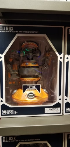 Droid Depot At Galaxy's Edge Lets You Bring Your Own Droid To Life 3