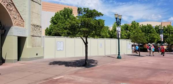 Construction Walls Up Around the Chinese Theatre! 3