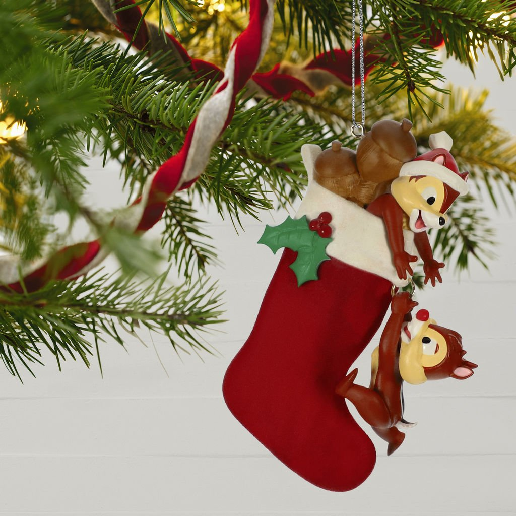 Christmas In July Hallmark 2019.Disney Hallmark Keepsake Ornaments To Premiere In July