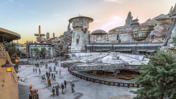 Cast Member preview for Star Wars Galaxy's Edge beginning August 1st! 1