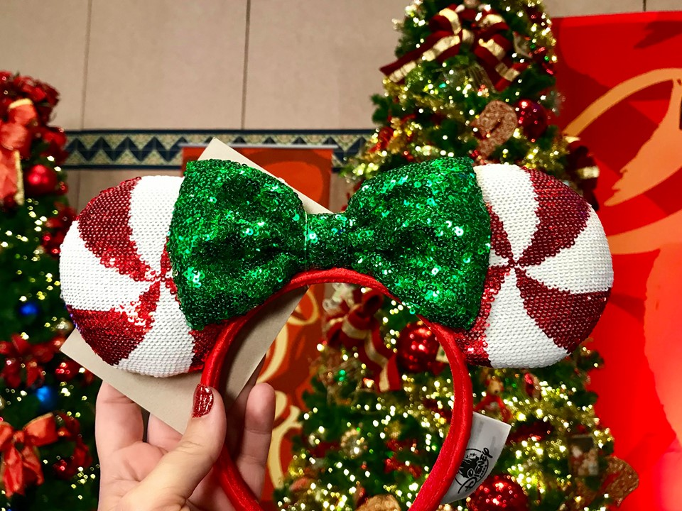Christmas Minnie Ears 2019.Check Out This Year S Holiday Minnie Ears And Mickey Ears