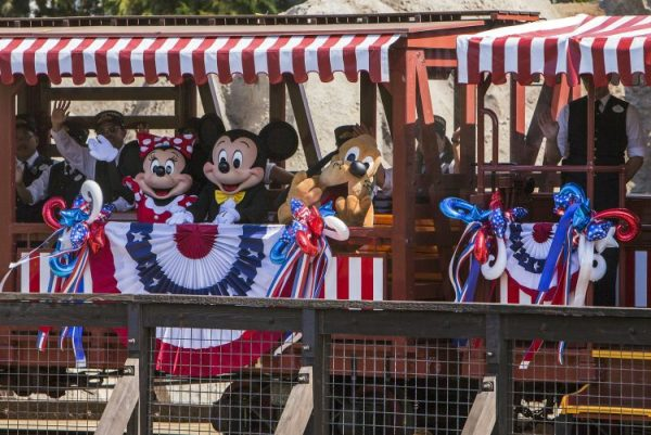 Travel Across the USA without ever leaving Disneyland Resorts. 4