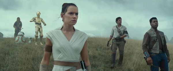 Daisy Ridley Discusses Her Emotional Last Day On Set for Star Wars: Episode IX 2