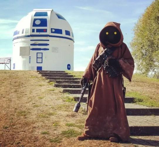 Mega Star Wars Fan and German Professor Paints Observatory Like R2-D2 11