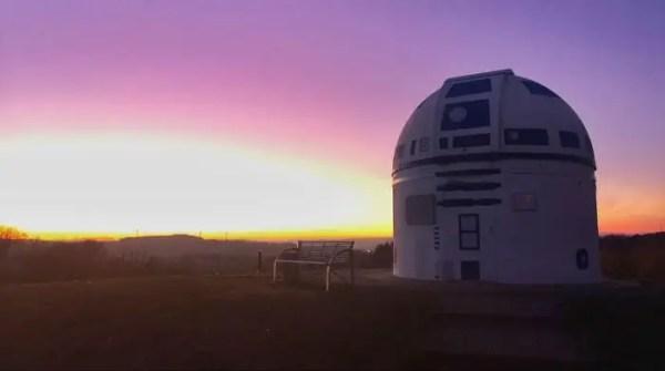 Mega Star Wars Fan and German Professor Paints Observatory Like R2-D2 13