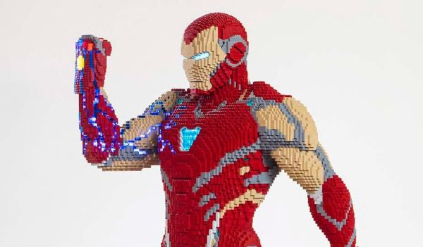 LEGO Constructed A Life-Sized Iron Man From Avengers: Endgame for San Diego Comic Con 1