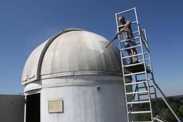 Mega Star Wars Fan and German Professor Paints Observatory Like R2-D2 2