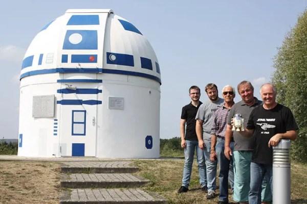 Mega Star Wars Fan and German Professor Paints Observatory Like R2-D2 4