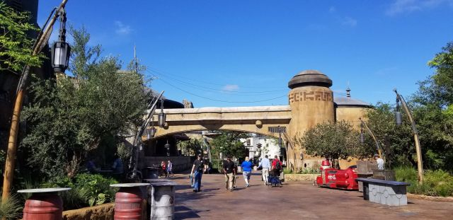 Check Out This Star Wars: Galaxy's Edge Photo Tour 4