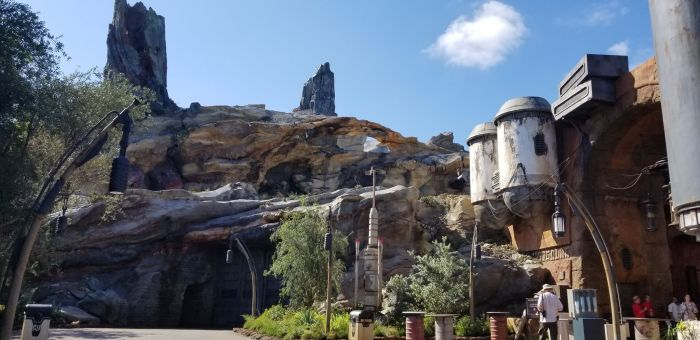 Check Out This Star Wars: Galaxy's Edge Photo Tour 16