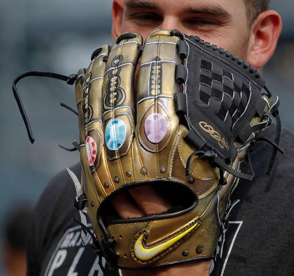 Baseball Pitcher Wears Infinity Gauntlet Glove For MLB Weekend