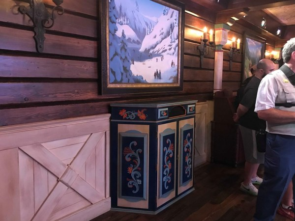 Automated PhotoPass Cameras Take Over Arendelle 2