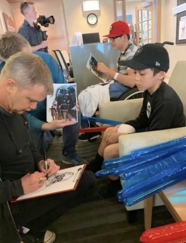 'Emperor Palpatine' and 'Anakin Skywalker' From Star Wars Visit Children's Hospital 6