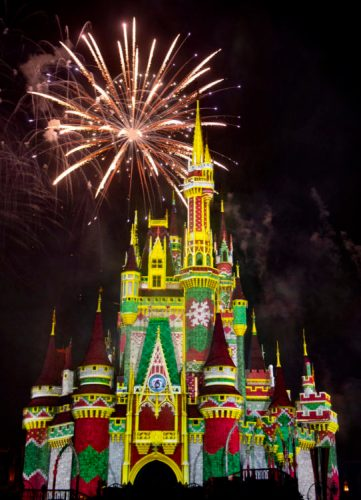 Sneak Peek of all new Minnie's Wonderful Christmastime Fireworks 3