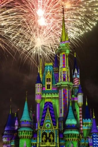 Sneak Peek of all new Minnie's Wonderful Christmastime Fireworks 1