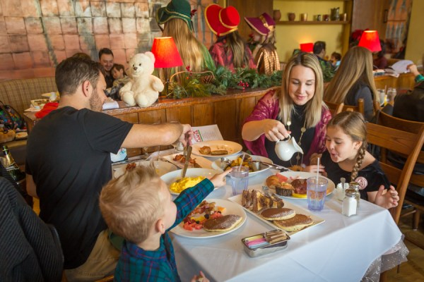Breakfast with Santa at Catal Restaurant in Downtown Disney 6