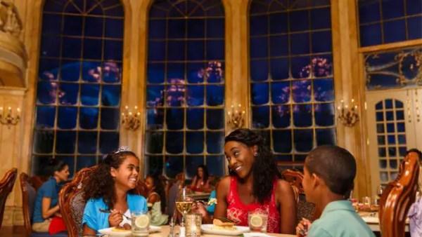 dining experiences holiday season disney world