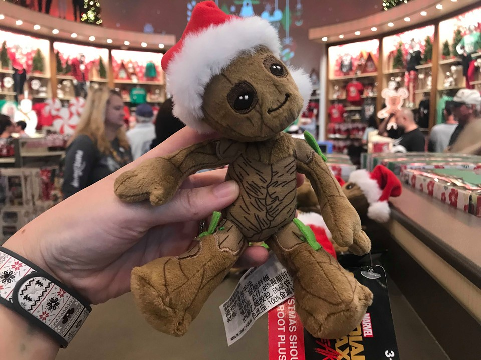Christmas Groot Shoulder Pet Is A Lovable Pal For All Of Your Adventures 1