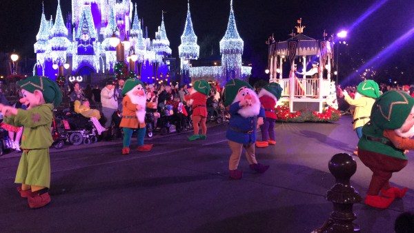 Mickey's Very Merry Christmastime Parade Is The Perfect Way To Celebrate The Season 4