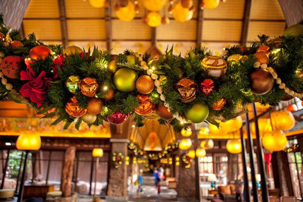 Celebrate the Holidays at Aulani, a Disney Resort and Spa 2