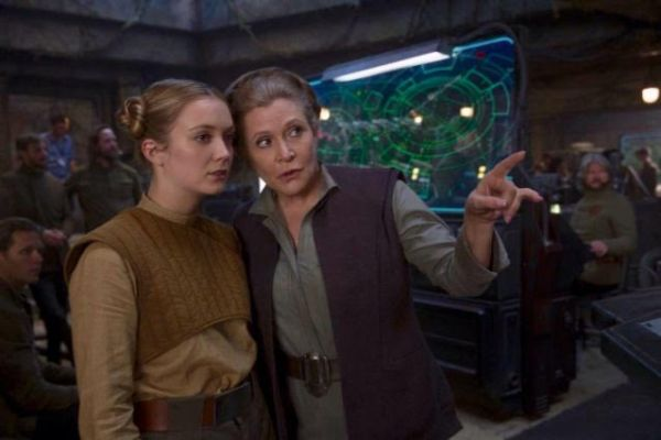 """Carrie Fisher's Brother Reveals Leia Was Supposed to Be 'The Last Jedi' in """"Rise of Skywalker"""" 4"""