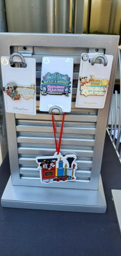 Preview of Merchandise for Mickey & Minnie's Runaway Railway! 6