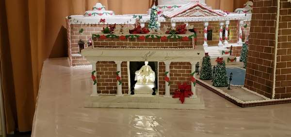 Epcot's America Pavilion Stuns with Its Gingerbread Display 4
