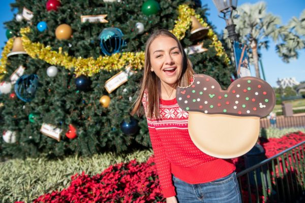 Special Holiday Photo Ops Featured Around Walt Disney World