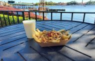 Enjoy Holiday Eats and Drinks at Refreshment Port