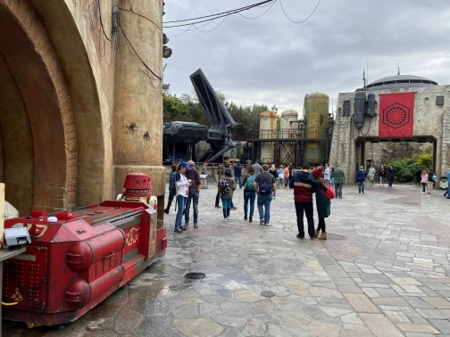 New Droid Driven Star Wars Coke Stands in Galaxy's Edge