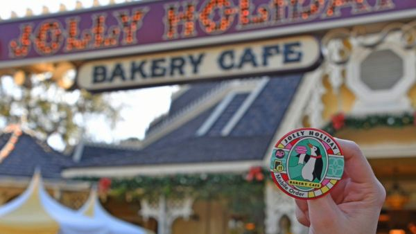 Disneyland Offers New Collectible Buttons For Mobile Orders 1