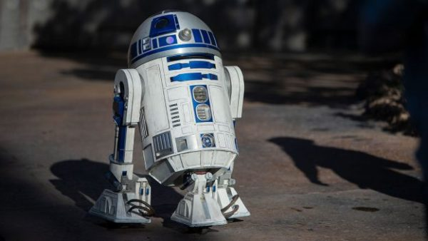 R2-D2 is now rolling around Star Wars: Galaxy's Edge 2
