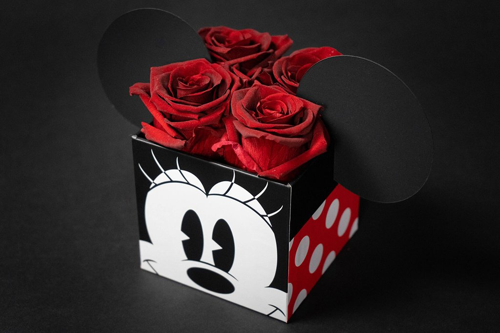 Roseshire Disney Roses Are The Perfect Gift For A Disney Lover