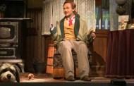 Audio-Animatronic Character hand falls off in Carousel of Progress
