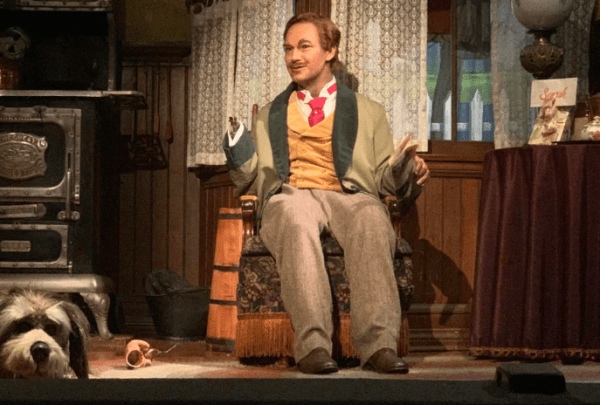 Audio-Animatronic Character hand falls off in Carousel of Progress 1