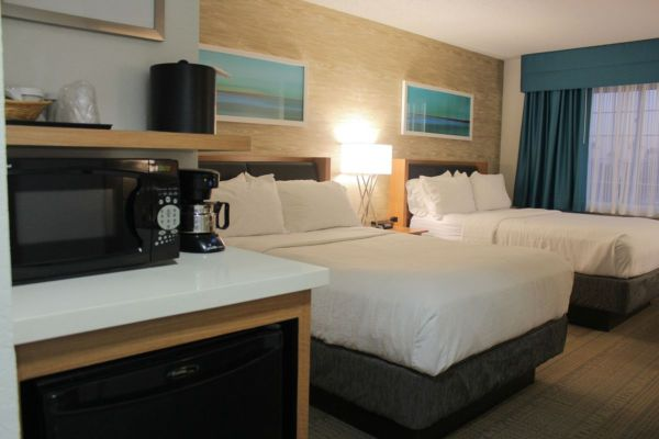 Holiday Inn Anaheim Resort presents The Practically Perfect Package! 4