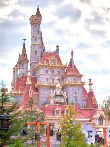 First Look at Beauty and the Beast Castle at Tokyo Disneyland 3