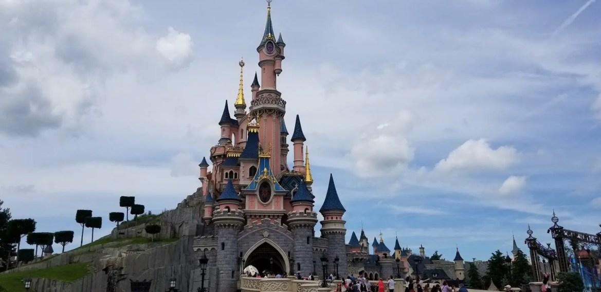 Disneyland Paris Is Hiring Male & Female Characters!