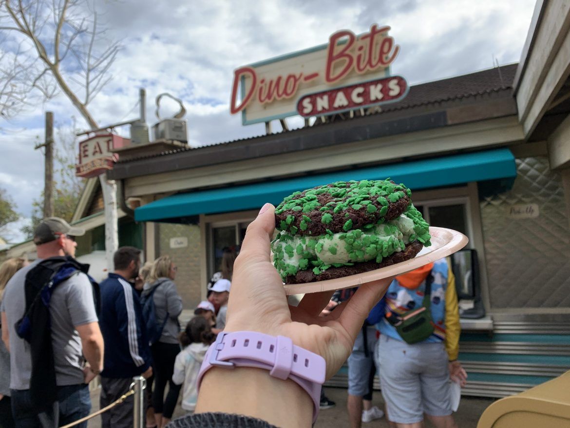 A New Chocolate-Mint Ice Cream Sandwich Has Arrived at Walt Disney World