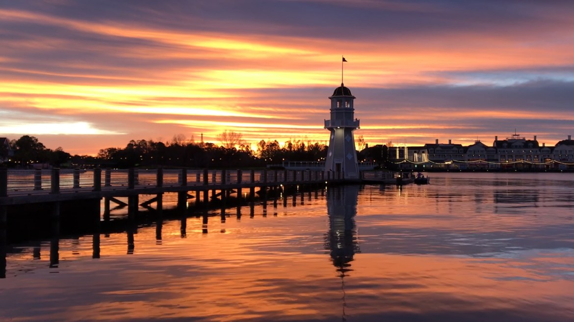 Videos: Magical Disney Sunrises you must see!