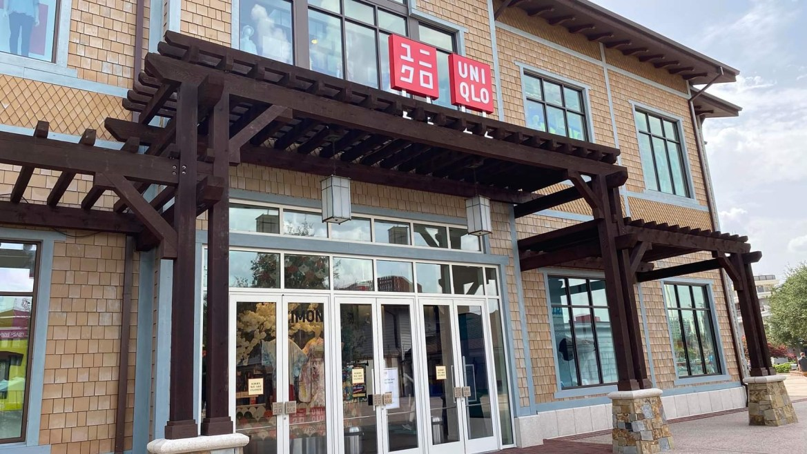 Uniqlo at Disney Springs Closed