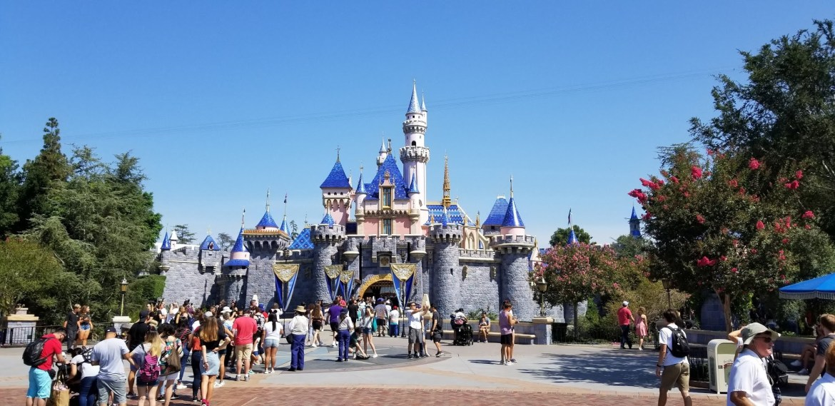 Mobile ordering to be expanded when Disneyland reopens