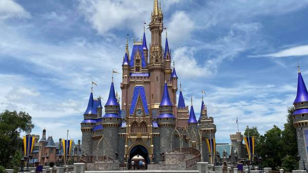No new Covid cases linked to the Disney World theme parks according to Mayor Demings