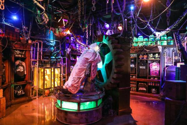 The Halloween Horror Nights Tribute Store Is Now Open At Universal Studios Florida 3
