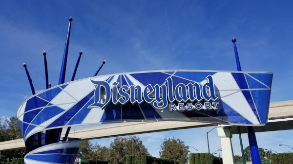 Disneyland Cast Members to receive layoff notices 1