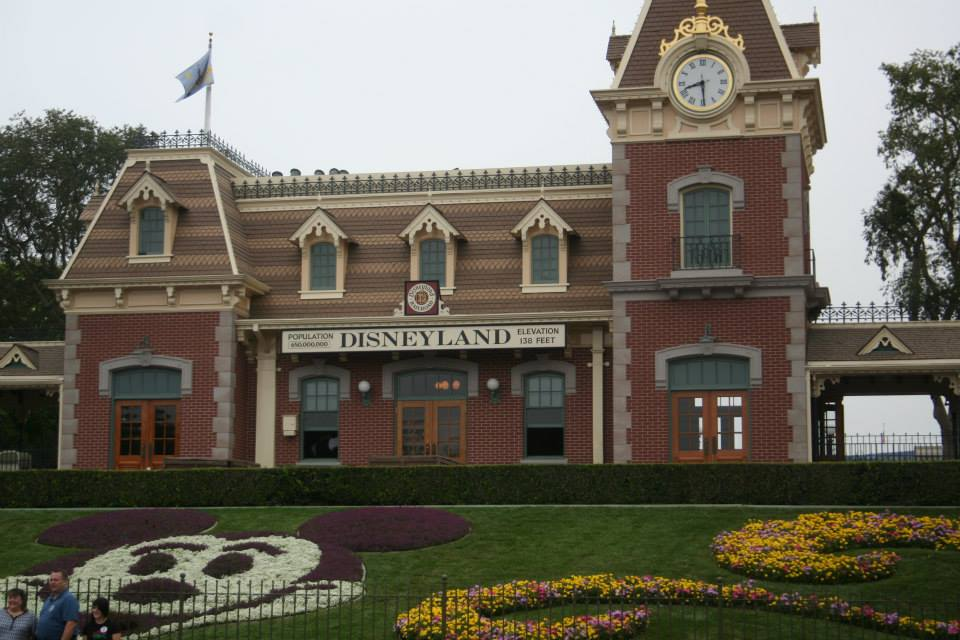 State of California to work with theme parks before issuing reopening guidelines