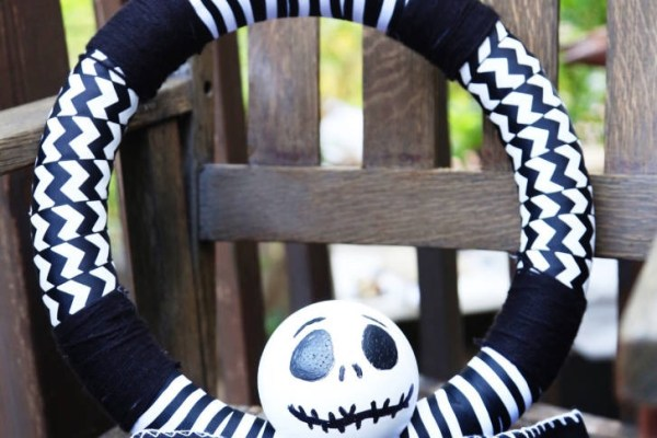 Disney DIY Jack Skellington Wreath! 1