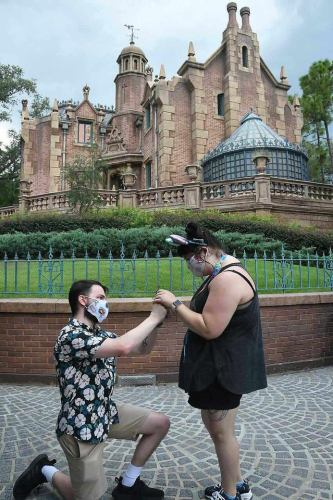 Guest Proposes in Front of 'The Haunted Mansion' During First Visit to Walt Disney World 2