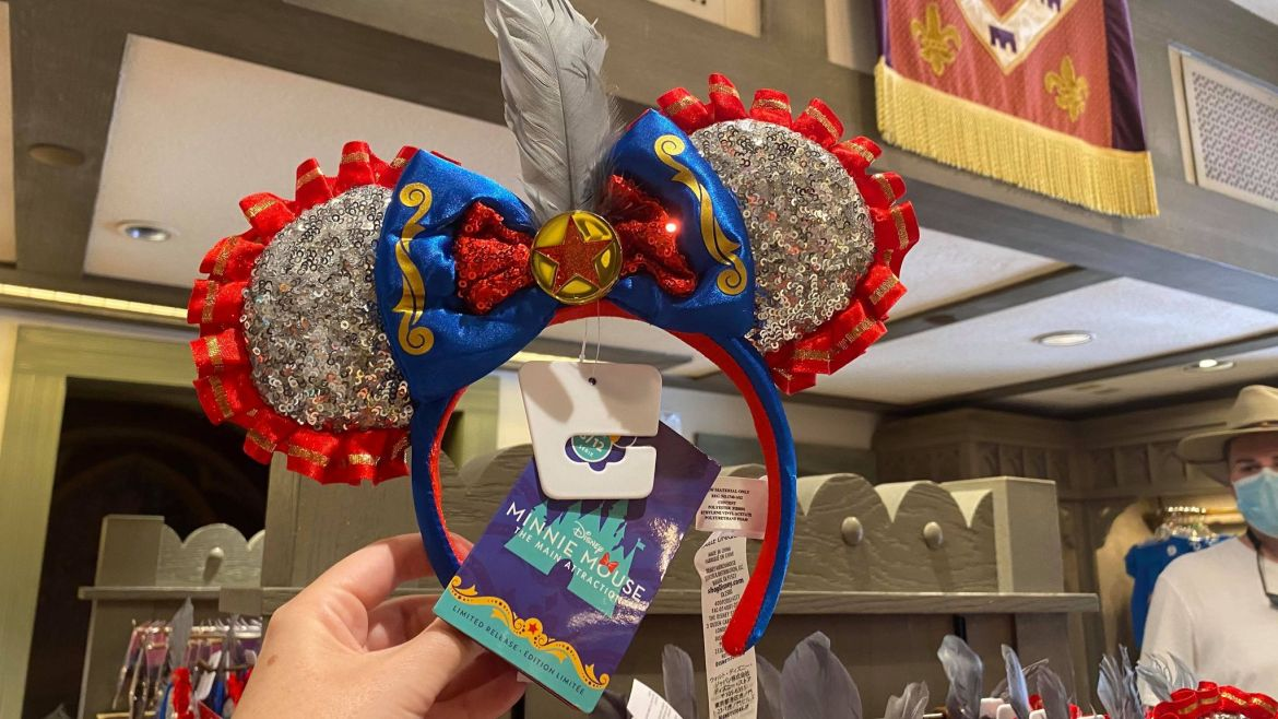 The Dumbo Minnie Ears Made An Appearance At Magic Kingdom