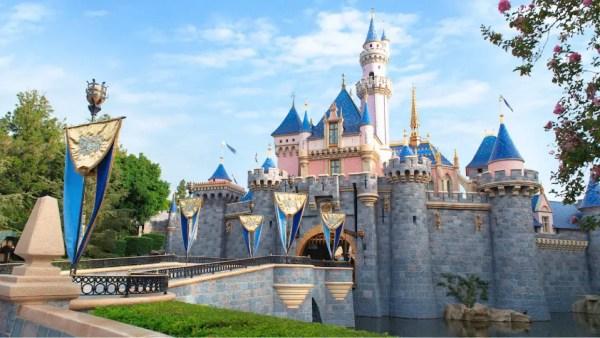 Disneyland Cancels more October Reservations 1
